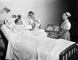 Förr kunde man köpa cigaretter på sjukhuset